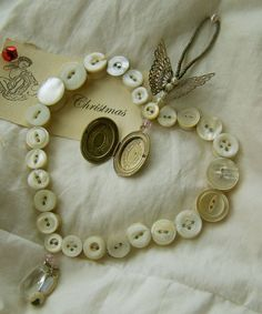 Button Craft | Sweet Meas Home-Made Vintage Button Ornament