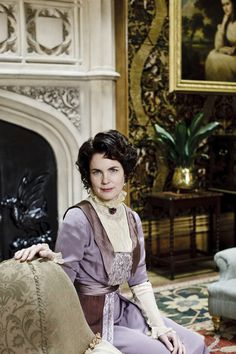 Elizabeth McGovern as Cora Crawley, Countess of Grantham in Downton Abbey