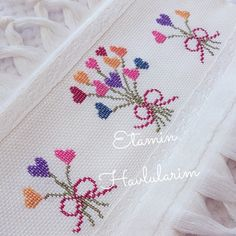 Cross Stitch Geometric, Small Cross Stitch, Butterfly Cross Stitch, Beaded Cross Stitch, Cross Stitch Borders, Cross Stitch Baby, Cross Stitch Flowers, Cross Stitch Designs, Cross Stitching