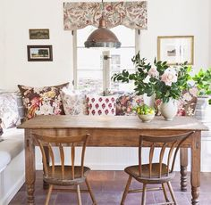 Lonny magazine, breakfast nook, kitchen table, kitchen seating, country kitchen