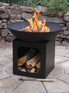 46 Stylish DIY Metal Fire Pit Ideas for Inspiring Backyard 12 - Firepit Fire Pit Logs, Cast Iron Fire Pit, Cool Fire Pits, Metal Fire Pit, Chiminea Fire Pit, Garden Fire Pit, Fire Pit Backyard, Backyard Seating, Backyard Landscaping