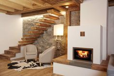 Ladinarredi Innenarchitektur und Bau Privathaus M Country Cottage Interiors, Cabin Interiors, Stone House Plans, Interior Design And Construction, Rustic Home Design, Home Fireplace, New Home Designs, Tiny House Design, Cabana