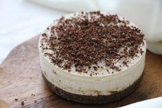 RECEPT: Nepečený vanilkový cheesecake bez laktózy Cheesecake, Tiramisu, Ice Cream, Sugar, Ethnic Recipes, Sweets, No Churn Ice Cream, Cheese Cakes, Tiramisu Cake