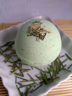 Lemongrass & Avocado Bath Bomb