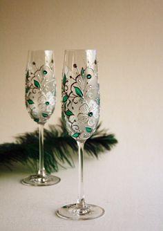 Emerald CRYSTAL Wedding Glasses, Hand Painted Glasses, Champagne Glasses, set of 2 Swarovski Crystals