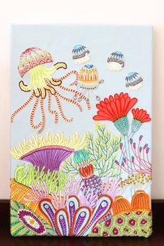 2014年4つ目の作品が出来ました。作品タイトルは磯巾着(Sea anemone)。カラフルな海の生物をモチーフに海底を刺繍で表現してみました。それにして...