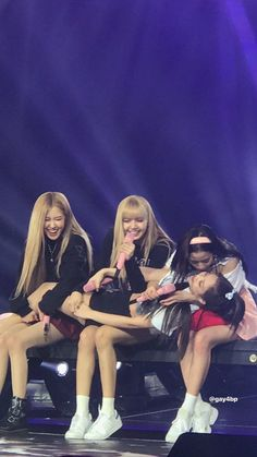 Pink Roses, Blackpink Debut, Fandoms, Girl Bands, Blackpink Lisa, Kim Jennie, Ji Soo, Kpop Girls, Girl Group