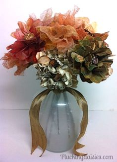 50 Impressive Faux Flower Fall Arrangements For Indoors Ideas 50 Impressive Faux Flower Fall Arrangements For Indoors IdeasFor anyone who does not have a green thumb, finding something to brighten up th Fall Flowers, Diy Flowers, Pretty Flowers, Fabric Flowers, Material Flowers, Recycled Paper Crafts, Recycle Crafts, Diy Crafts, Harvest Crafts