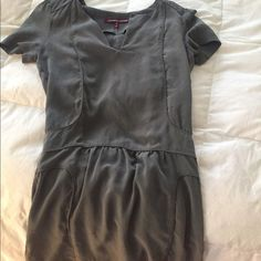 Grey Comptoir des Cotonniers Pazeda Dress 34 Super cute, easy dress from French Designer Comptoir des Cotonniers. Perfect for throwing on with boots. Unlined. Size 34, grey color. Comptoir des Cotonniers Dresses