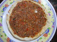 Comida Armenia, Armenian Recipes, Armenian Food, Carne Picada, Calzone, Empanadas, Meatloaf, Yummy Food, Beef