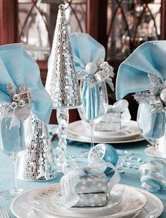 Christmas winter or frozen party plastic snowflake table cover 56 x inspiring winter and christmas theme wedding centerpieces are simple and still very stylish ideas is to put some christmas cheering atmosphere junglespirit Image collections