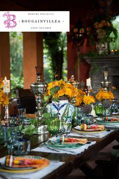 Hermosa decoración floral en centros de mesa con estilos muy Mexicanos. www.bougainvilleabodas.com.mx Bodas San Miguel