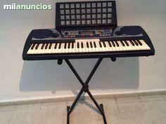 TECLADO PIANO ELECTRICO YAMAHA PSR 260 - 150$ Alcobendas