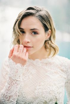 Makeup inspiration: http://www.stylemepretty.com/2017/05/25/switzerland-inspiration-session/ Photography: Momento Cativo - http://momentocativo.com/