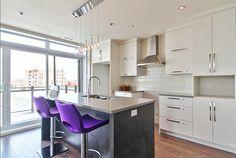 Le Victoria Condominiums Lambertois La Rive, New Kitchen, Kitchen Ideas, Loft, Dream Rooms, Condominium, Kitchens, Sweet Home, Wardrobes