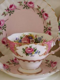 """Lady Carlyle cup Royal Albert """"Bridesmaid"""" saucer and dessert plate. China Cups And Saucers, Teapots And Cups, China Tea Cups, Vintage Cups, Vintage Dishes, Shabby Vintage, Vintage China, Shabby Chic, Party Set"""