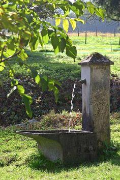 backyard designs – Gardening Ideas, Tips & Techniques Outdoor Water Features, Water Features In The Garden, Garden Art, Garden Design, Orchard Design, Sacred Garden, Garden Fountains, Rustic Gardens, Water Garden