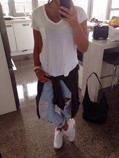 Ripped Boyfriend Jeans, Flannel Shirt, White T & Nike Air Max | Casual OOTD