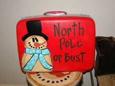 Trashy Treasures - Frosty luggage Christmas Boxes, Primitive Christmas, Christmas Snowman, Christmas Projects, Vintage Christmas, Christmas Holidays, Christmas Decorations, Christmas Ornaments, Winter Craft