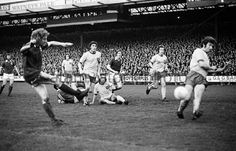 Norwich City 1 Ipswich Town 2 agg) in May 1973 at Carrow Road. Clive Woods goes close in the Texaco Cup Final, Leg. Ipswich Town Fc, Carrow Road, English Football League, Texaco, 1970s, Woods, City, Classic, Derby