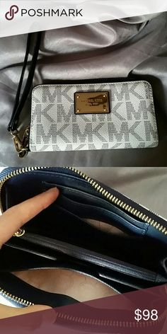 Never used Michael Kors Jet set Travel Small Brand new was never used.  signature authentic · Michael Kors Jet SetMichael Kors WalletHandbags ... 8ba08d7257b29