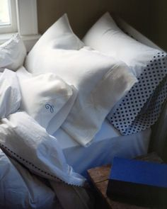 Trimmed pillow cases Sewing Projects: Our Favorite Sewing Projects - Martha Stewart Gingham Curtains, Linen Curtains, Belle Lingerie, Martha Stewart, Sewing Hacks, Sewing Projects, Sewing Ideas, Sewing Tips, Sewing Tutorials