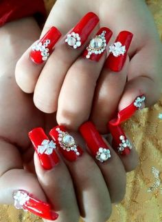 Allow your nails to look stunning by choosing one of the most unique summer wedding nail art ideas. Whether you like bold glittery red or soft pink, you will have plenty of choices to pick from. Nail Designs 2017, Diy Nail Designs, Trendy Nail Art, New Nail Art, Pink Wedding Nails, Bridal Nails, Big Canvas Art, Art Nouveau Illustration, Nails 2017