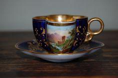 Šálek na čaj * modrý zlacený porcelán s ručně malovaným obrázkem.
