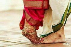 Wedding pictures for the groom thank you cards 47 Ideas for 2019 Indian Wedding Poses, Indian Wedding Couple Photography, Pre Wedding Poses, Wedding Picture Poses, Wedding Couple Photos, Couple Photography Poses, Pre Wedding Photoshoot, Indian Bridal, Wedding Pictures