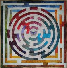maze quilt, labryinth. @Deb Otis. wanna make this one too?