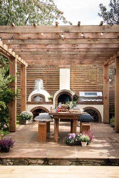 Back Garden Design, Small Backyard Design, Small Backyard Landscaping, Backyard Kitchen, Outdoor Kitchen Design, Small Outdoor Kitchens, Barbacoa Jardin, Backyard Patio Designs, Backyard Ideas