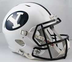 - Officially licensed helmet - On-field helmet design - Speed shell with the same facemask and 4-point chinstrap as the authentic version - Features official colors and decals - Includes a non-wear pl