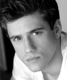 This being your first major TV role, had you come out to L.A for pilot season before?  Aaron Tveit: I hadn't because I was in development for so many years with Catch Me If You Can and Next to Normal in New York that it took me out of being able to audition for a serious role on television. So I'd spend a lot of time doing guest parts. This was the first time I was really available for pilot season and I read the Graceland script very early on.