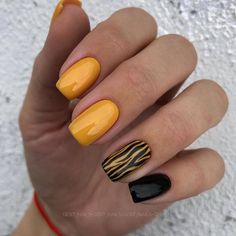 Charming Spring Nail Art Designs Ideas To Try In 2019 - - Charming Spring Nail Art Designs Ideas To Try In 2019 – Best Picture For spring nails For Y - Yellow Nails Design, Yellow Nail Art, Green Nails, Black Nails, Blue Nail, Cute Nails, Pretty Nails, My Nails, Spring Nail Art