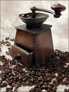 Multi-fuctional Bladed Automatic Coffee Grinder Mill Machine Electric Moedor De Cafe Stainless Steel Home Mini Coffee Grinder - Coffee Grinders I Love Coffee, Coffee Art, Coffee Break, Best Coffee, My Coffee, Coffee Cups, Coffee Maker, Coffee Machine, Cheap Coffee