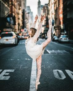 ballerina, ballet, and photography image Modern Dance Photography, Ballet Photography, Street Dance Photography, Ballet Girls, Ballet Dancers, Ballerinas, Bolshoi Ballet, Shall We Dance, Just Dance