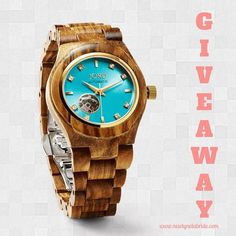 In case you missed it, I've partnered up with JORD Wood Watches to bring 3 lucky winners a giveaway! There are three different prize levels to win, so head on over to my website to enter! {Link in bio}