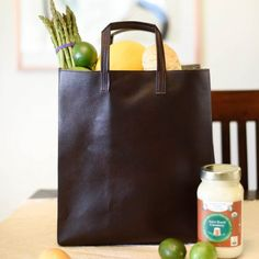 Make this paper(less) market bag with faux leather for a very chic grocery getter! Includes link to full tutorial.