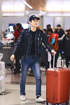Sehun, Kpop Fashion, Curvy Fashion, Airport Fashion, Petite Fashion, Fall Fashion, Style Fashion, Exo Fanart, Robin