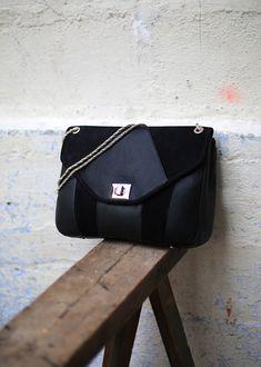 Sézane - Essentiels - Sac  310Euos Sezane Paris, French Brands, Fabric Textures, Cloth Bags, You Bag, My Bags, Leather Bag, Messenger Bag, Fashion Accessories