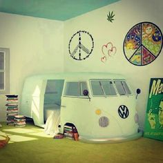 this would be great for a preteen or teen age girls room:)