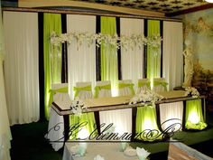 Источник интернет Food Table Decorations, Church Wedding Decorations, Backdrop Decorations, Backdrops, Wedding Stage, Wedding Reception, Backdrop Design, Wedding Balloons, Deco Table
