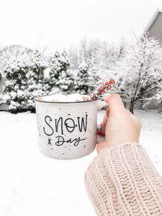 Holiday Gift Ideas: Christmas Mugs
