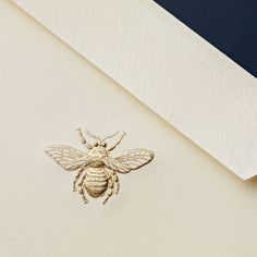 Explore Engraved Bee Notes, invitations, and more quality stationery at Crane. Customize the stationery you need to share the special moments in your life Design Typo, Bee Design, Branding Design, Print Design, Logo Design, Save The Bees, Bees Knees, Brand Packaging, Packaging Ideas