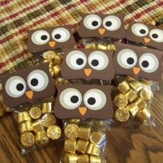 Thanks for giving a hoot! or Hoo loves ya? or Owl miss you! or Thank you wise one! or Hoo will be my Valentine? Great ideas for our Owl classroom! Kids Crafts, Craft Projects, Holiday Crafts, Holiday Fun, Holiday Ideas, Owl Miss You, Homemade Gifts, Craft Gifts, Diy Gifts