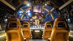 Pilote a Millennium Falcon em uma emocionante missão interativa! Assuma o controle da nave mais rápida da galáxia e passeie na famosa cabine do Millennium Falcon em um vôo ousado - no qual você poderá ser piloto, engenheiro ou artilheiro, todas as funções são cruciais. Os motores roncam enquanto o Millennium Falcon decola, empurrando você e sua tripulação de volta para seus assentos quando você pula no hiperespaço #DisneylandPark #MillenniumFalconSmugglersRun Disney World Resorts, Disney Vacations, Disney Parks, Walt Disney World, Disneyland Park Tickets, Hong Kong Disneyland, Disneyland Resort, Disney Hollywood Studios, Hollywood Studios