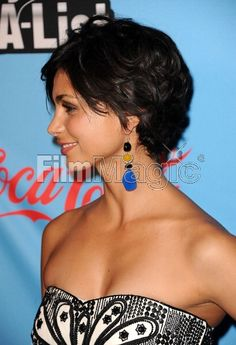 Picture of Actress Morena Baccarin attends the UNICEF Playlist With The A List celebrity karaoke benefit at El Rey Theatre on March 15 2012 in Los Angeles California. Short Hairstyles For Women, Celebrity Hairstyles, Pretty Hairstyles, Morena Baccarin Deadpool, Stargate, Short Hair Cuts, Short Hair Styles, New Hair Look, Pose Reference Photo