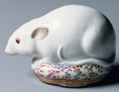 Snuffbox in the form of a rat - Meissen Manufactory  (German, 1710–present) - c1745