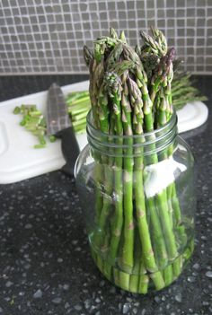 How to store fresh asparagus up to two weeks.