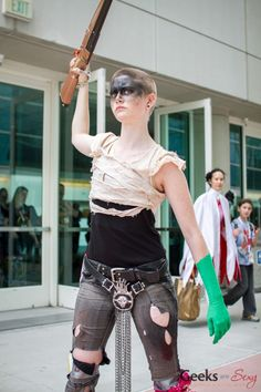 Imperator Furiosa - SDCC 2015 - Photo by Geeks are Sexy (With a green-screen sleeve! Funny & creative, love it.)